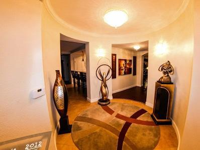 Foyer - Ocean Front Condo at the Luxurious Ocean Vistas. - Daytona Beach - rentals