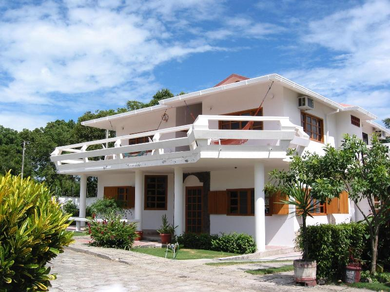 Our Vacation Home - Vacation Home on the Beach - Olon, Ecuador - Playa de Olon - rentals