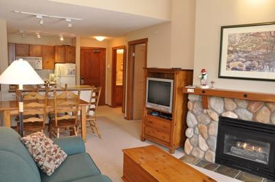 Fireplace - Fireside Lodge Village Center - 420 - Sun Peaks - rentals