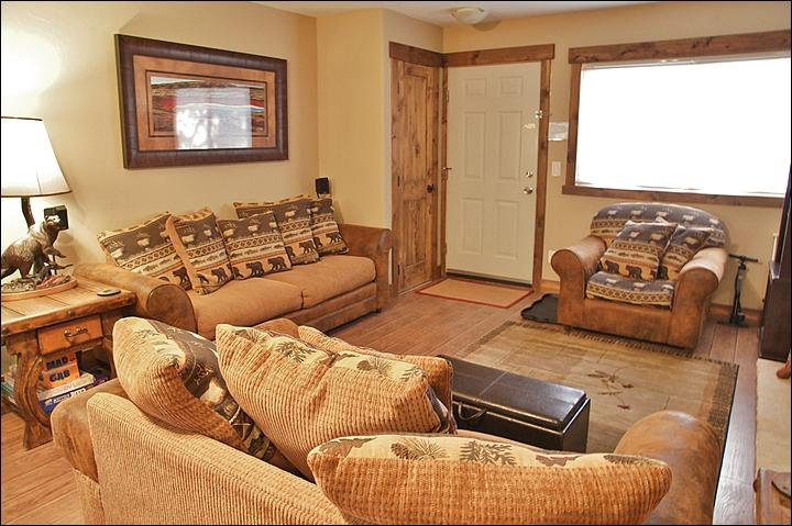 Comfy Seating in the Living Room, Board Games in the End Table - Great Value: Nice Property, Low Rates - Free Passes to Hot Springs (5519) - Steamboat Springs - rentals