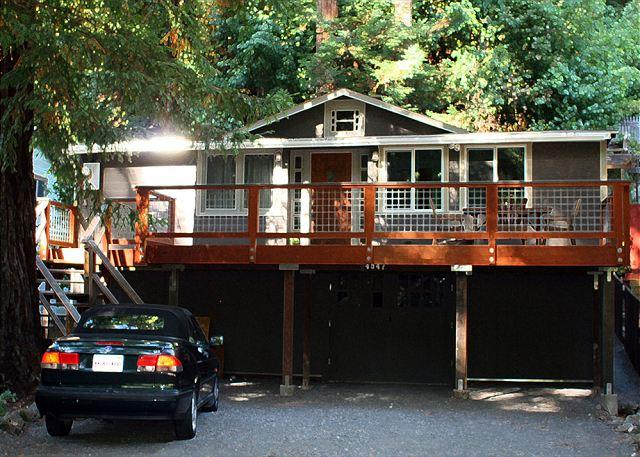 """Evergreen Cottage"" Hot Tub, Fireplace, Remodeled, Near town & restaurants - Image 1 - Guerneville - rentals"