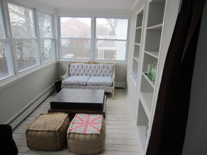White Party sun room - White Party designer apartment, Asbury Park, NJ - Asbury Park - rentals
