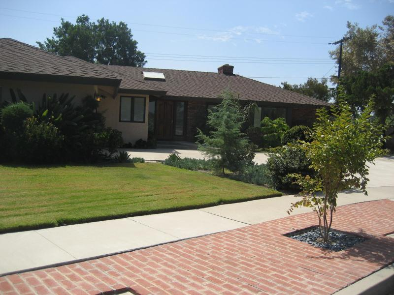 Come on in and enjoy your beautiful vacation home - Modern Executive Style House Near Disneyland - Anaheim - rentals