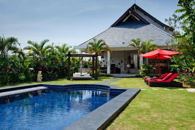 Garden - The Shine Villa, Bali - Kerobokan - rentals