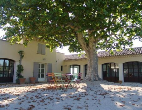 Holiday rental French farmhouses / Country houses Aix En Provence (Bouches-du-Rhône), 600 m², 10 000 € - Image 1 - Aix-en-Provence - rentals