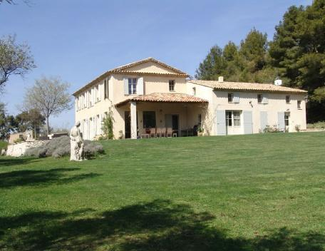 Holiday rental French farmhouses / Country houses Aix En Provence (Bouches-du-Rhône), 450 m², 9 000 € - Image 1 - Aix-en-Provence - rentals