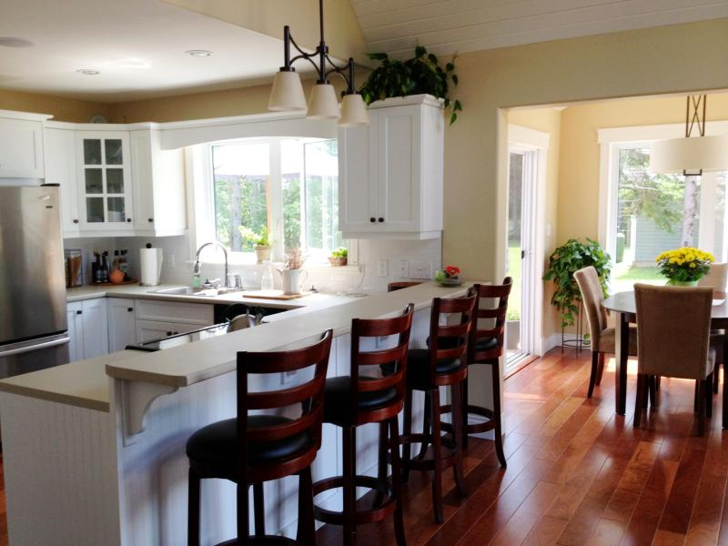 Kitchen/Dining Nook - Executive Stanhope Summer Home-Minutes From Beach! - Stanhope - rentals