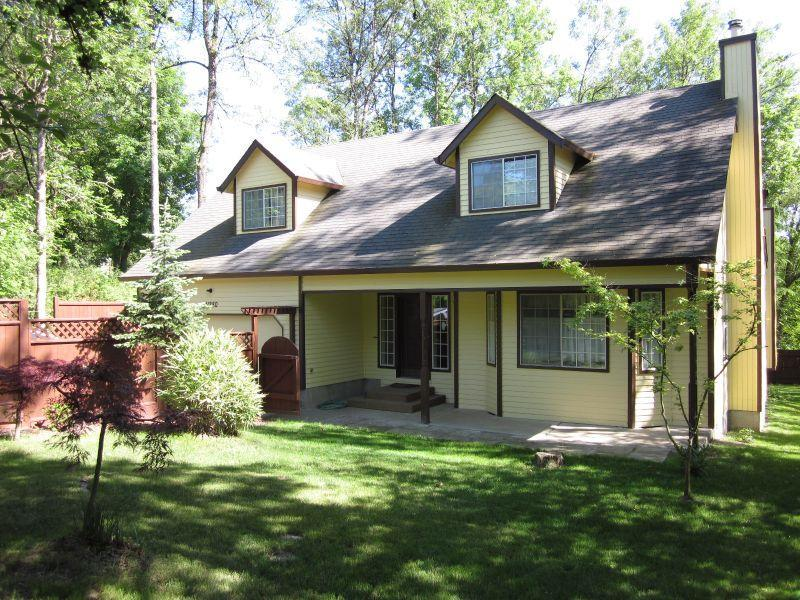 Front Exterior - Ironwood Cottage near Bonny Slope & Forest Heights - Portland - rentals