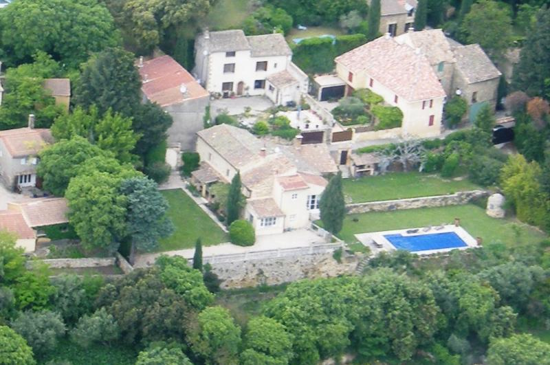 VIEW by plane - Provence Bed and Breakfast- Lovely 3 Bedroom with - Avignon - rentals