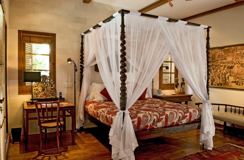 """Villa Oost Indies """"3 bedrooms Villa Seminyak Bali"""" - Image 1 - Seminyak - rentals"""