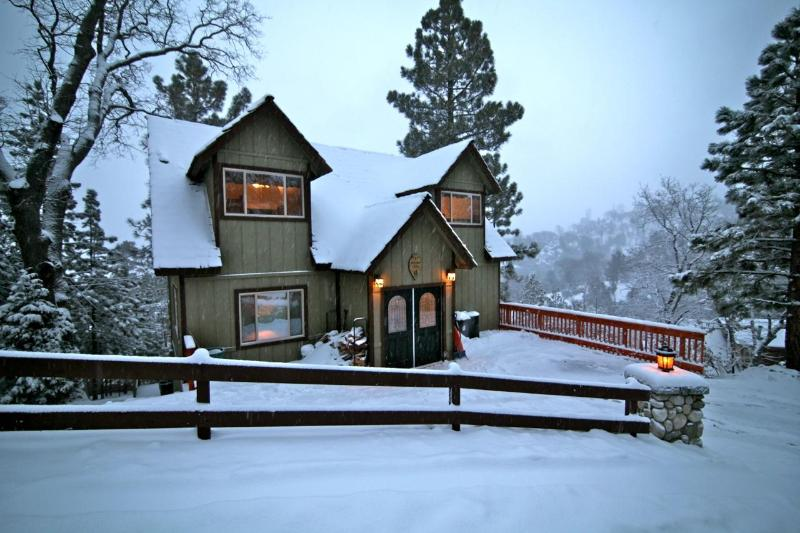Moose Lodge - Moose Lodge - passes to private beach clubs - Lake Arrowhead - rentals