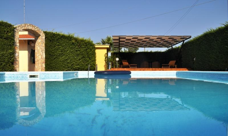 Luxurious Quite Villa with Stunning Private Pool - Image 1 - San Vito dei Normanni - rentals