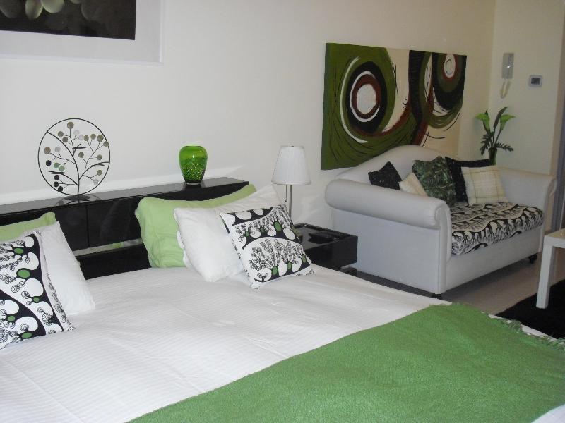Studio in Al Hamra village with beautiful views - Image 1 - Dubai - rentals