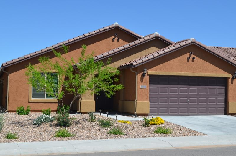View of front - Retreat for Golfers, Snowbirds, AZ - Florence - rentals