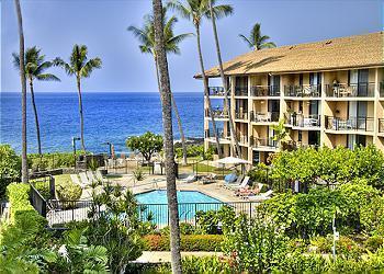 Great pool and hot tub area - 2 bedroom condo at prized Kona Makai - Kailua-Kona - rentals