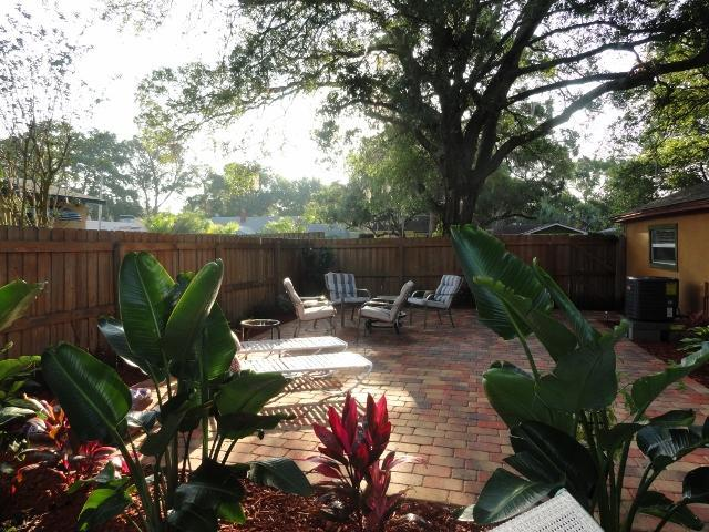 patio - The Lovely Guesthouse - Gulfport - rentals