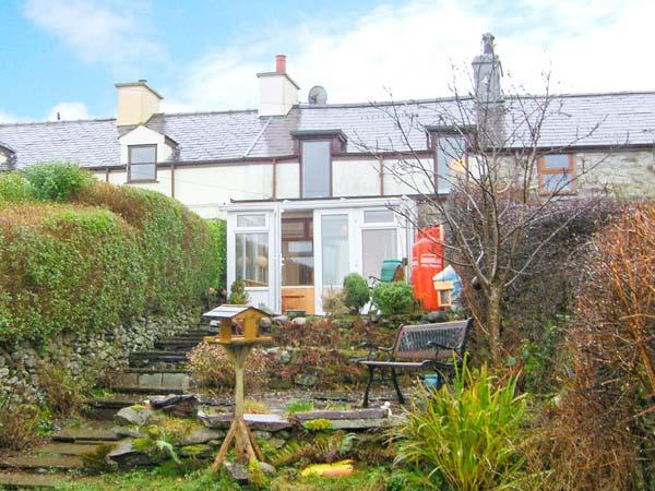 BRYN MORFA, views over countryside to sea, woodburner, garden, near Penygroes, Ref 17582 - Image 1 - Caernarfon - rentals