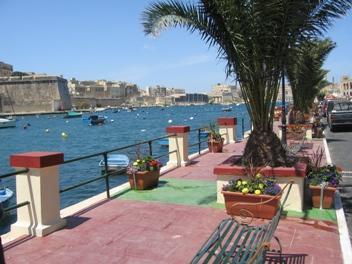 Kalkara creek and promenade just around the corner - 2/3 bedroom traditional Maltese house in Kalkara - Kalkara - rentals