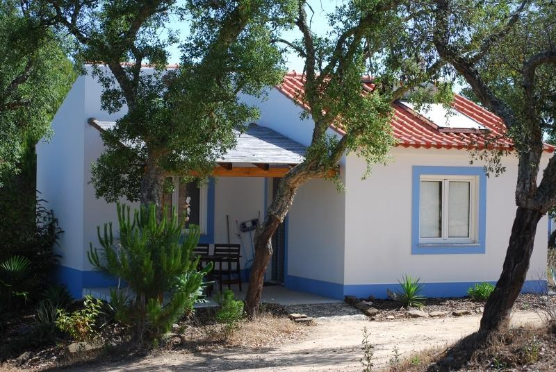 Casa Camélia Birdwatching, Self-catering Isolated - Image 1 - Santiago do Cacem - rentals