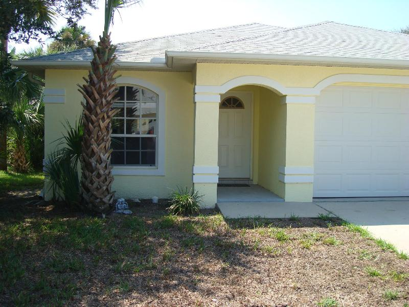 Beautiful Pet-Friendly Beach House-2 Mins to Beach - Image 1 - New Smyrna Beach - rentals