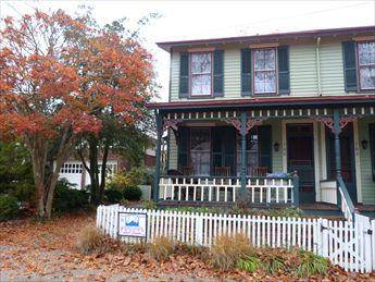 PET FRIENDLY, Short Walk to Beach and Town, 114060 - Image 1 - Cape May - rentals