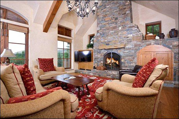 Vaulted Ceilings, Fireplace, and a Flat-Screen TV in the Living Room - Elegant Vacation Home - Located on Five Acres (1152) - Ketchum - rentals