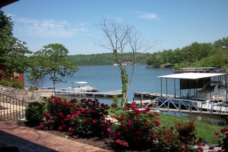 Gorgeous views - LUXURY LOG CABIN & Tree House 20% off Boat rentals - Lake Ozark - rentals