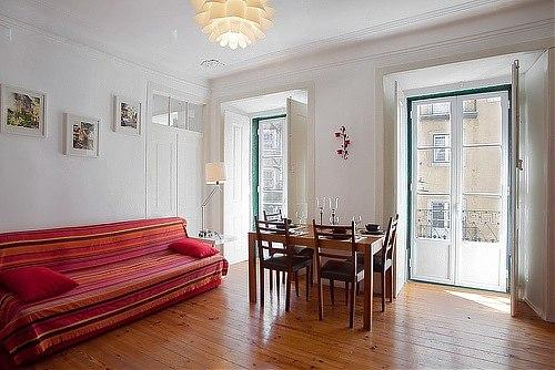 Mouraria 2bedroom&patio in historic center - Image 1 - Lisbon - rentals
