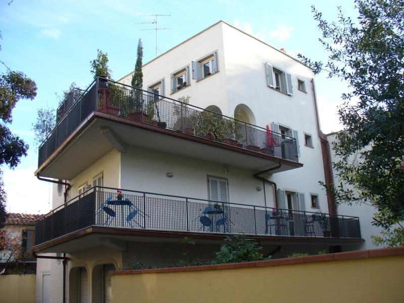 Quet Studio with Garden, Parking, and pc Wifi - Image 1 - Florence - rentals