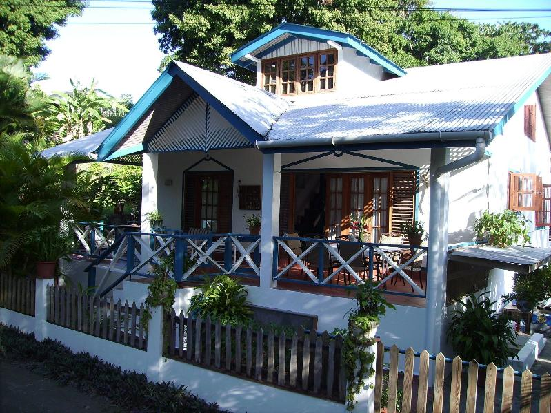 main house from 130,- €/night - Jemas Guesthouse and appartments - Black Rock - rentals