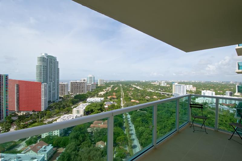 Wrap around balcony with panoramic views of the city and ocean - Amazing 2BR Apartment in Brickell! - Coconut Grove - rentals