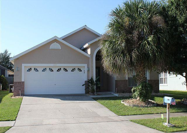 Spacious 5 Bedroom House with Private Pool on Santee Drive - Image 1 - Kissimmee - rentals