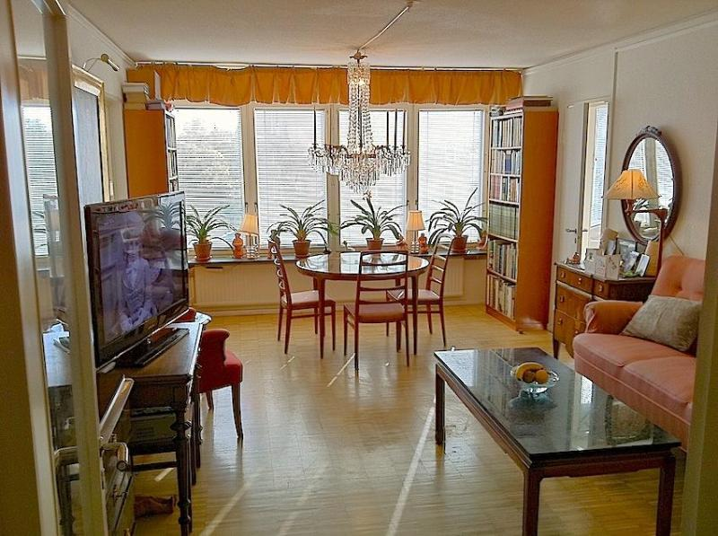 Living room - The Cosy Room in a large Apartment, Södermalm - Stockholm - rentals