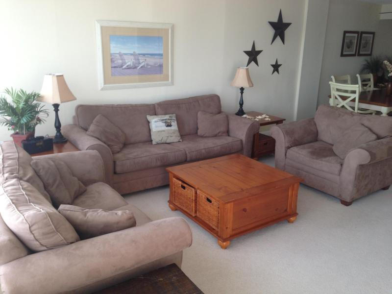 Living Room ( Example only) - 2Bdr/2Bath Oceanfront Condo on the Boardwalk. Free Wi-Fi and Linens (example only) Weekly only - Virginia Beach - rentals