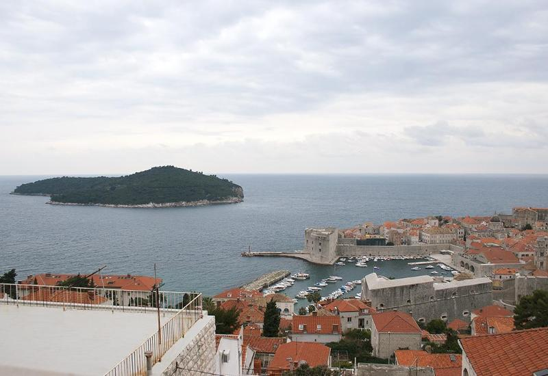 View from livingroom on Old town and sea - One bedroom apartment; ocean view, sleeps 4 - Dubrovnik - rentals