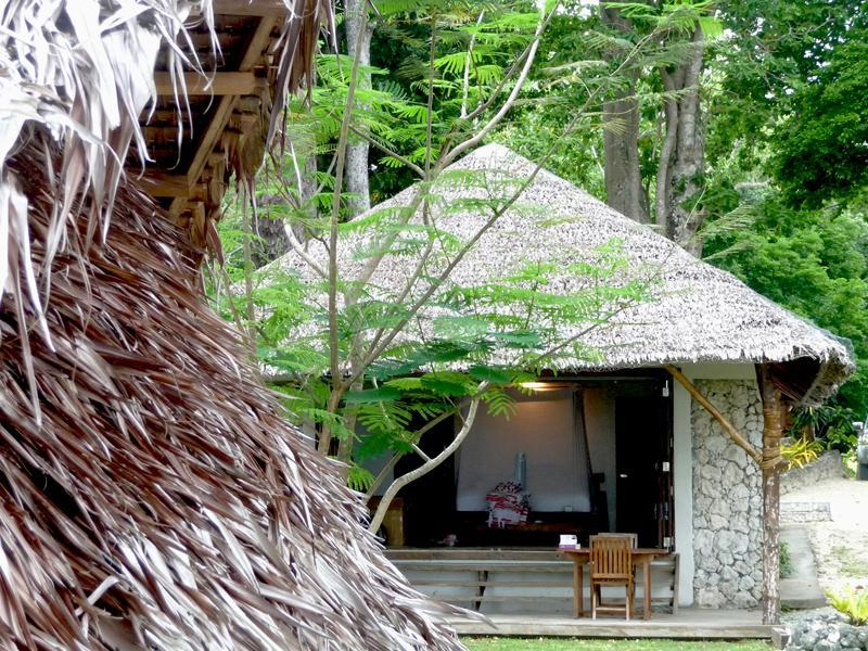 Sandoollar Vanuatu Seaside Fare (Bungalow) - Quality Island themed accommodation and living - Sanddollar Vanuatu - Large Coastal Holiday Rental. - Port Vila - rentals