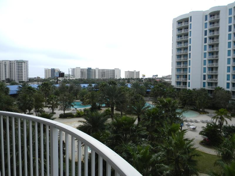 Palms Resort #1405 Jr. Suite - Book Online! 4th Floor! Destin's Largest Lagoon Pool! Available March 13th - 19th! Book NOW! - Image 1 - Destin - rentals