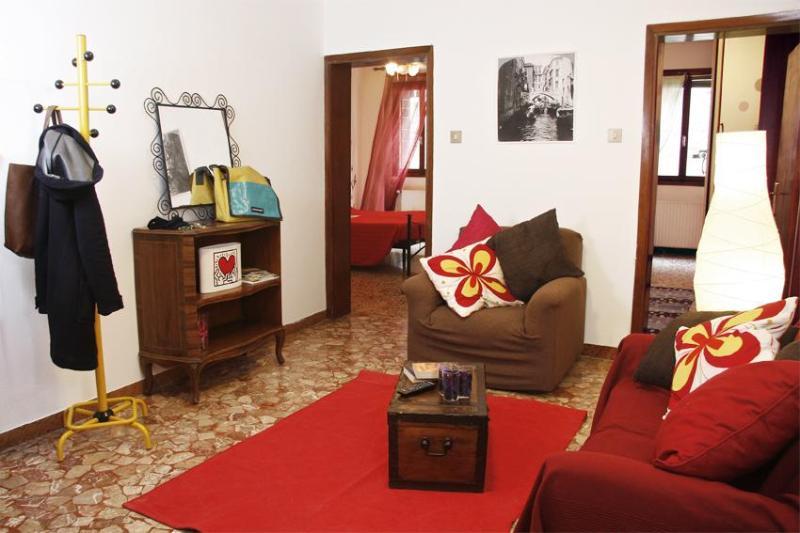 Cosy flat in the center few minute from Rialto - Image 1 - Lido di Venezia - rentals