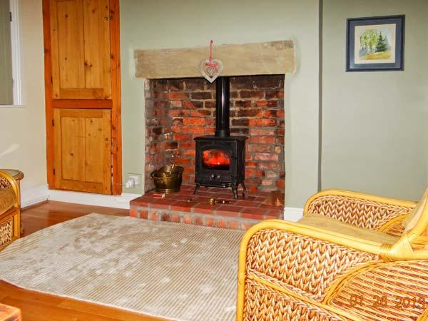 40 MILL ROAD, woodburner, enclosed garden, city centre location, Lincoln, Ref 21283 - Image 1 - Lincoln - rentals