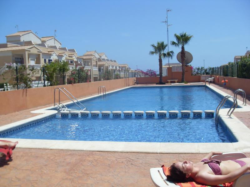 pool area - 2 Bed Gated Air Con,  Ground Floor  Apartment Los Altos,Torrevieja Costa Blanca. - Orihuela - rentals