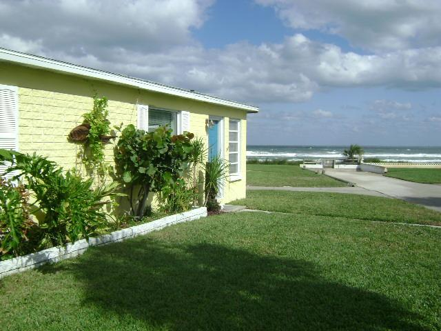 Exterior overlooking ocean - Breezeway Beach House. Great View and Pet okay! - Ormond Beach - rentals