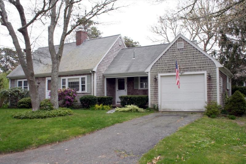 Front of home - Lovely 4 bed, 2.5 bath Harwich Home near beaches & bike trail - Harwich - rentals
