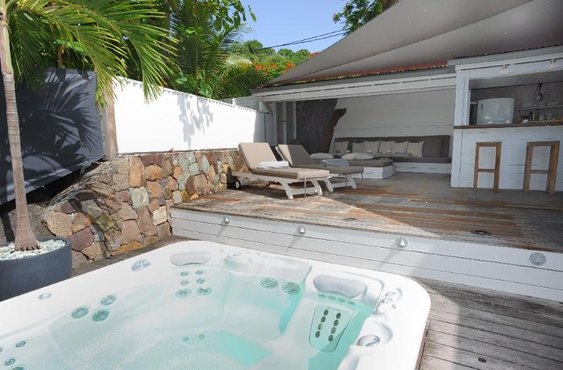 Buddha Bay at Marigot, St. Barth - On the Beach, Outdoor Living Space,  Jacuzzi - Image 1 - Marigot - rentals