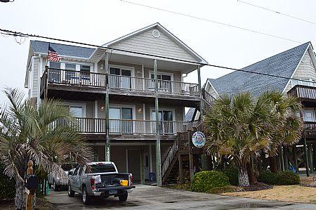 Front Exteriror - Island Rose 1411 N Topsail Dr, SAVE UP TO $80!! - Surf City - rentals