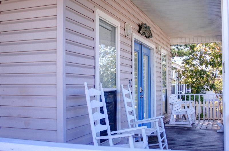 Periwinkle Cottage-3BR-$163/Nt Thru5/26! RJ Fun Pass-Buy3Get1FreeThru5/26-Wlk2Bch - Image 1 - Destin - rentals