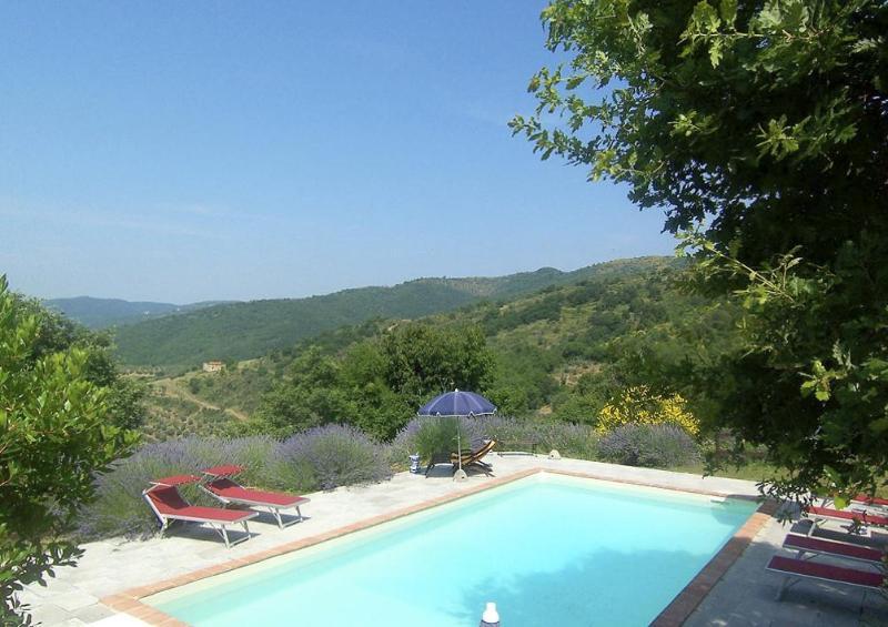 Villa Daniella, Charming & Elegant for 4-10 guests - Image 1 - Castiglion Fiorentino - rentals