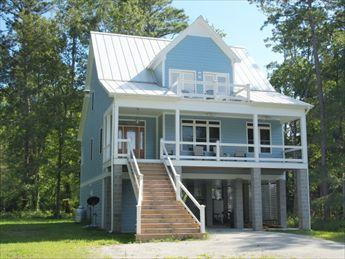 Front view of property - Blue Water Inn 104943 - Oriental - rentals