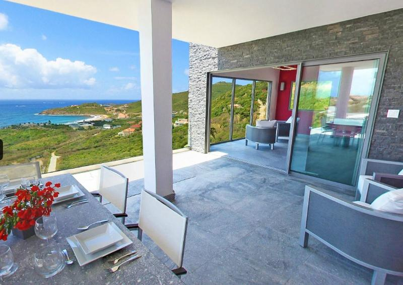 Crystal. Red Pond Estates, St Maarten - CRYSTAL...dazzling contemporary villa overlooking Guana Bay, St Maarten - Oyster Pond - rentals