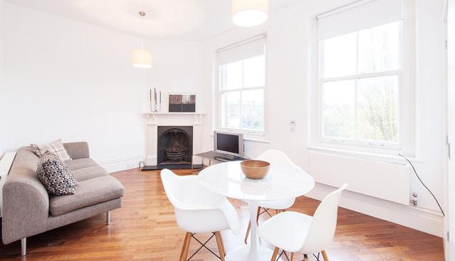 view of lounge and dining area - Stylish Designer Apartment in Central London - London - rentals