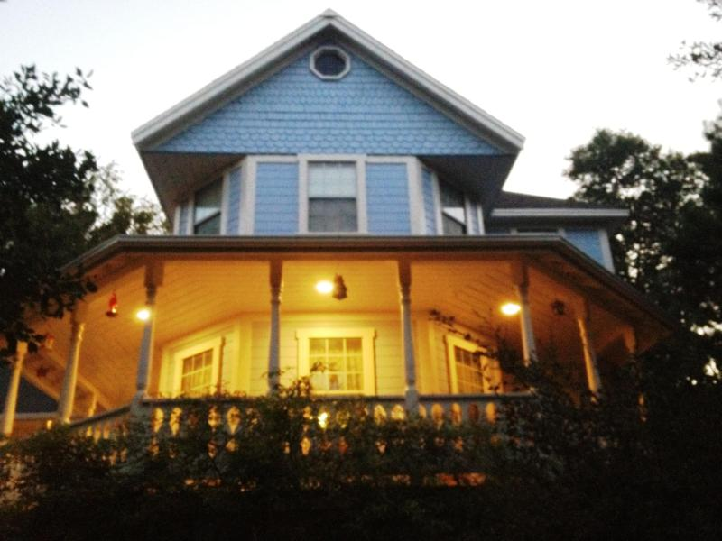 Welcome to Chez Pomme! - Victorian, Spa, 2 Fenced Acres, 2 Minutes to Town! - Julian - rentals